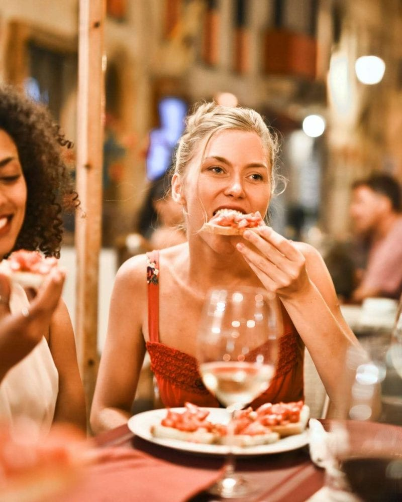 Dining 2 women
