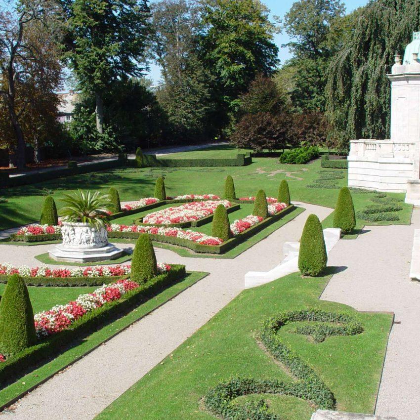 Newport Mansions Elms Gardens