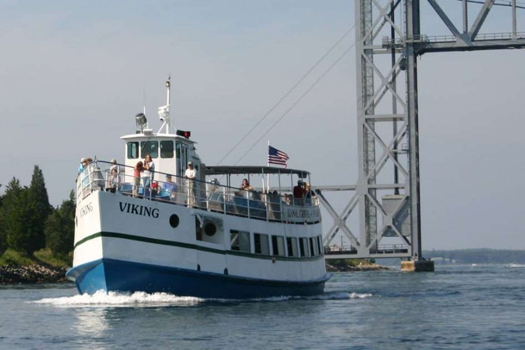 Hy-line Cape cod canal cruise
